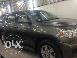 Toyota Sequoia model 2009 fee accident no single scratch almost new