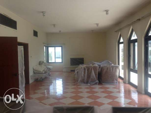 Compound villa with big garden in Budaiya