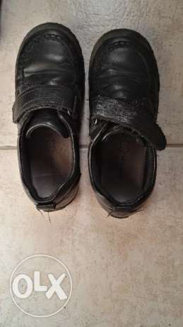 School shoes pre loved but barely worn 2 mths جفير -  2