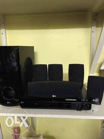 LG home theater with 5 speakers