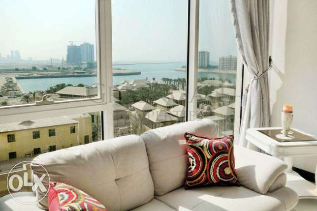 2 Bed Flat with Views Across Reef Island