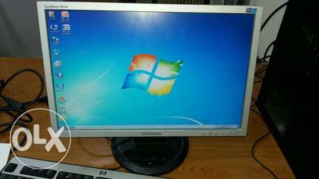 "samsung 19"" WIDE LCD monitor"