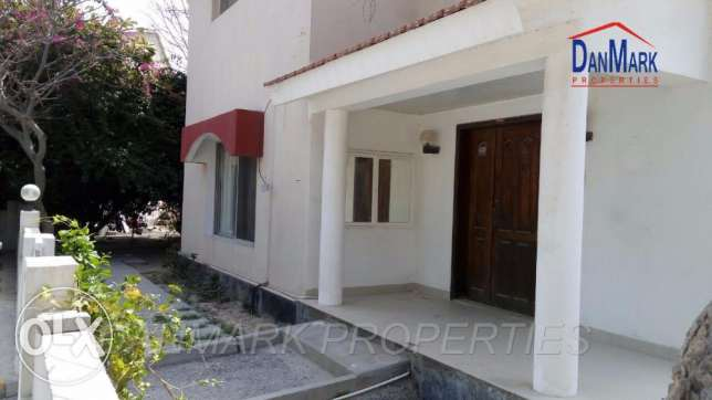 DIRAZ 4 Bedroom Semi 2 Storey VILLA with Private Garden for rent