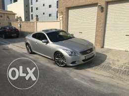 Infiniti G37S 2013 low millage, very sporty reliable car.