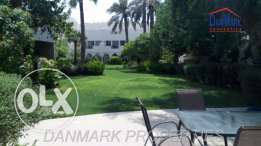 3 Bedroom Semi Single Storey Villa with Huge Garden for rent INCLUSIVE