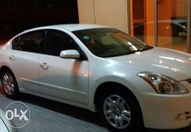 BHD 2500 / Nissan Altima 2011, automatic, 92k KM, well maintained car