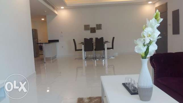 Brand new 2 Bedrooms apartment with modern furniture fully furnished جزر امواج  -  2
