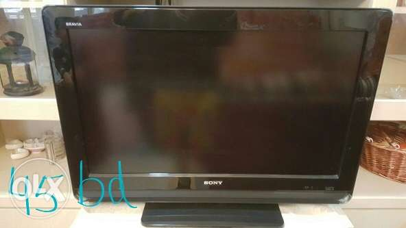 good condition. sony bravia LCD 32 inches.