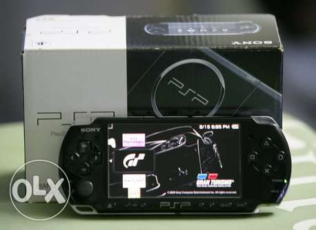 PSP 3006 + 6 GAMES + 4 Bags, Box And All Contents + Memory Card