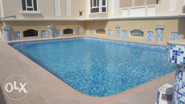 Brand new Semi 3 BR Saar / Pool / Gym