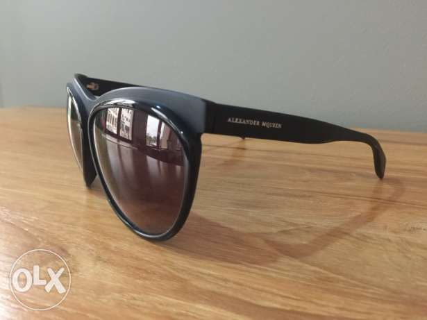 Alexander MQueen Black Sunglasses