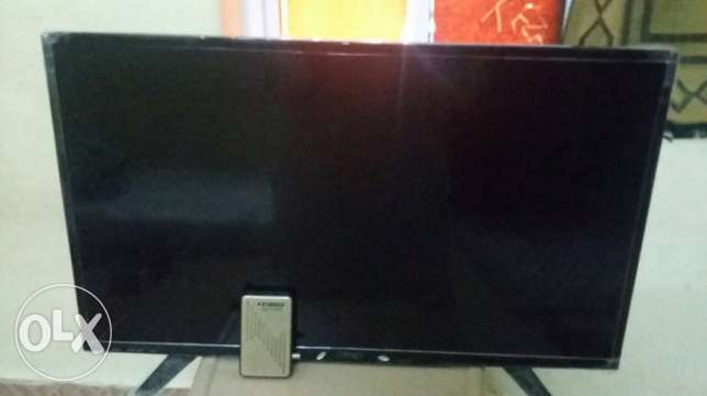 "one month used LED ""Zenet"" Tv 32 inch with the Receiver. 6 month guara"