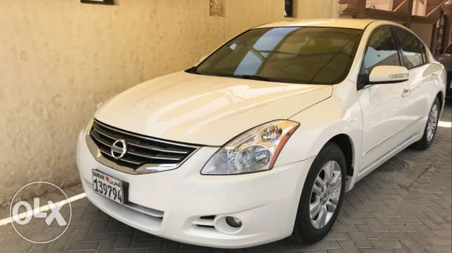 For sale NISSAN ALTIMA Model 2012 Km 110000 Full golden insurance