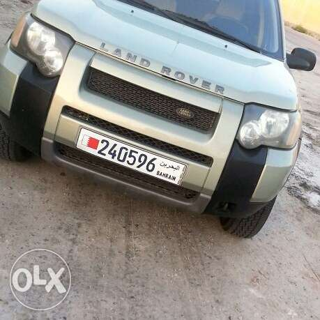 For sale land rover excellent condition low millage clean 100%