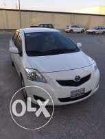 For sale Toyota yaris 2012
