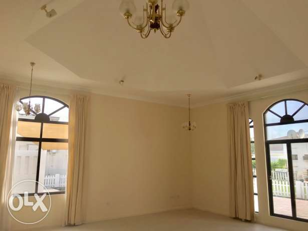 AMAZING 4 bedroom compound villa with private garden سار -  4