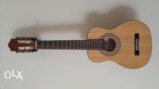 "Goya Travel Classical Guitar ""Ukulele Sized"""