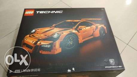Porsche 911 GT3 RS with this authentic LEGO® Technic السيف -  2