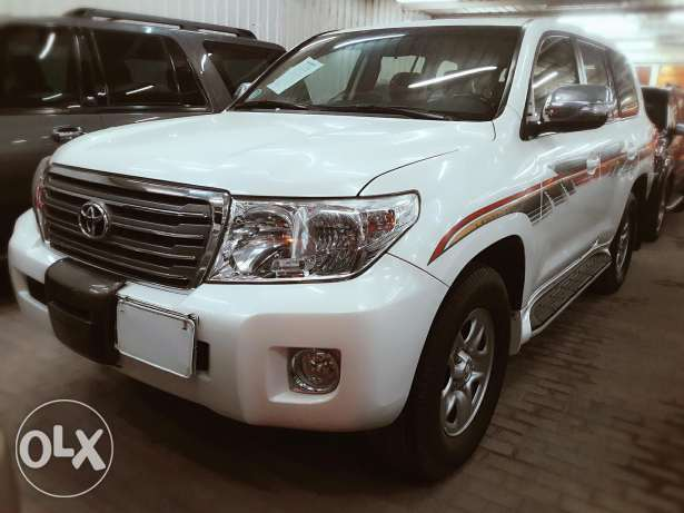 Toyota land crusier g 2013 model for sale in cash and installment bank