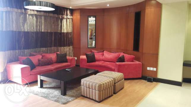 Juffair modernly furnished deluxe, very bright Penthouse - Antony