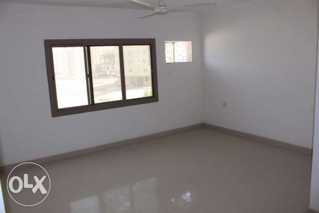 Unfurnished 2 Bedroom Apartment in New hidd