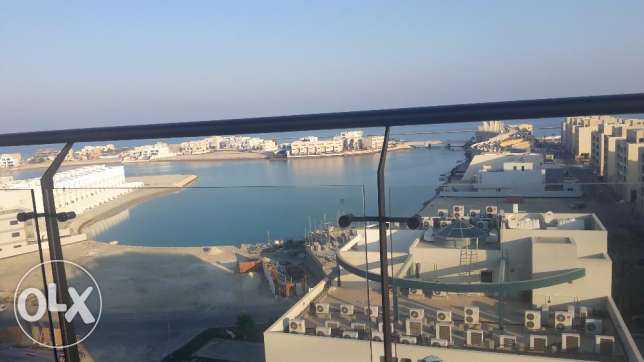 Sea view modern 2 BR in Amwaj