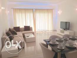 Amwaj: Beautiful & Bright 2 Bedroom Apartment with Pool and Gym Access