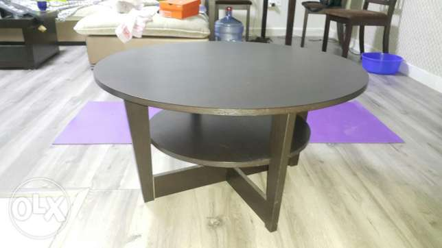 Coffee table, round