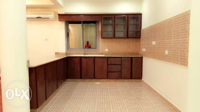 2 Bedroom spacious Apartment s/furnished in Hidd