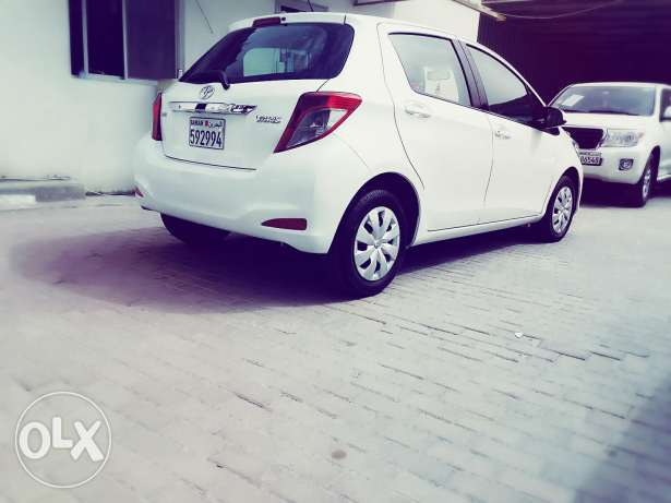 Toyota Yaris pearl white model 2013 For sale, No accident History