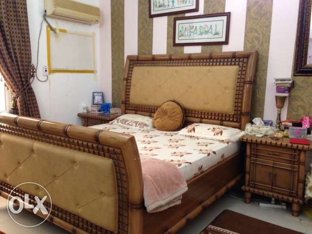Stylish King Size Full Bed Set - Golden Brown colour