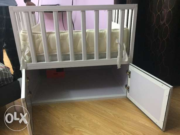 Co-sleeping baby cot with mattress in mint condition بار بار -  4
