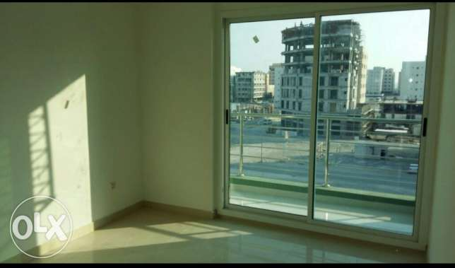 Nw hidd, perfect 2 BHK flat Semi furnished with balcony and central Ac المحرق‎ -  7