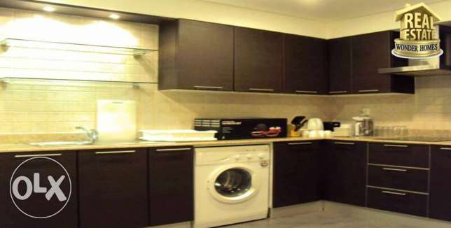 spacious close to food street 2 Bed Room Juffair Bd 650/- جفير -  1