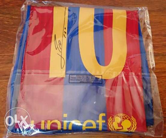 Authentic Barcelona FC t-shirt WITH MESSI'S SIGNATURE