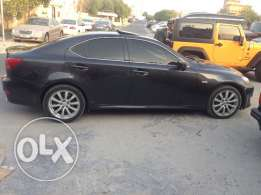 Lexus IS 300 full option still agent mentance almost new in good condi