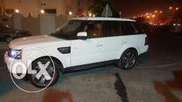 Range Rover supercharged still under warranty almost new