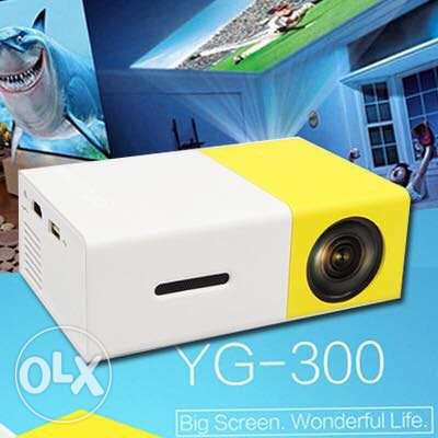 YG 300 Portable LCD Projector