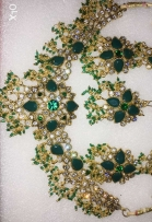 Fancy set and earings for sale