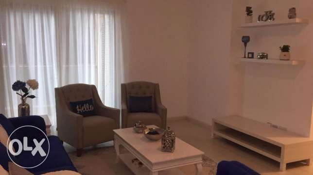 Brand new 2 bedrooms modern furniture apartment with balcony