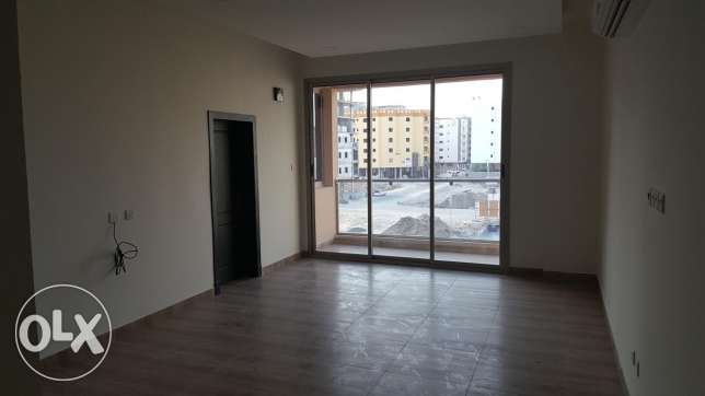 New Hidd: 3 Bedroom 2 bath with balcony unfurnished new flat for rent