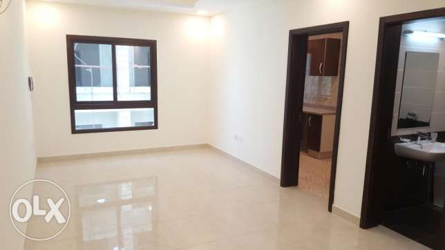 SF 2 BHK flat/ Buhair , swimming pool and Gym