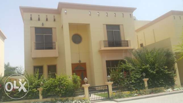 SUPER LUXURY 5 Bedrooms S-Furnished Villa with Private Pool for Rent