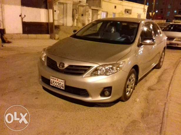 Argent sale Toyota corolla mode 2013 very clean condition pasing des