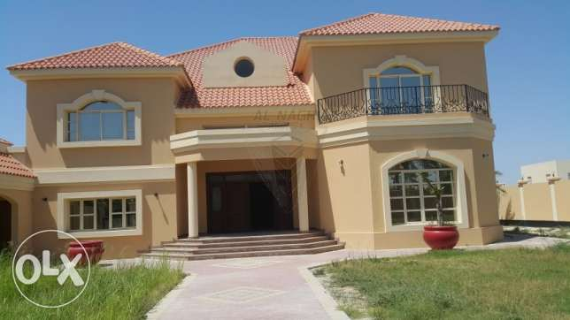SUPER DELUXE Semi Furnished 6 Bedroom VILLA For Rent IN WEST RIFFA.