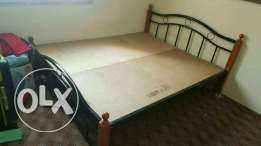Double size bed in good condition