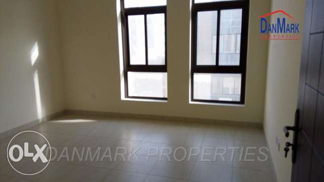 BD 400/ 3 Bedroom Semi Furnished Apartment for rent جانبية -  1