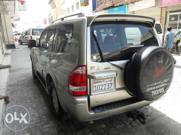 Mitsubishi pajero 3.0 with good registration number 7