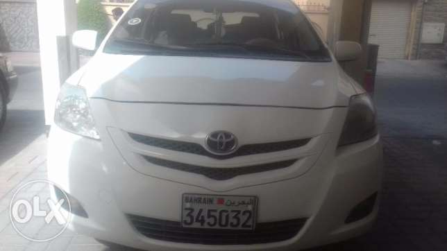 Toyota yaris model 2009
