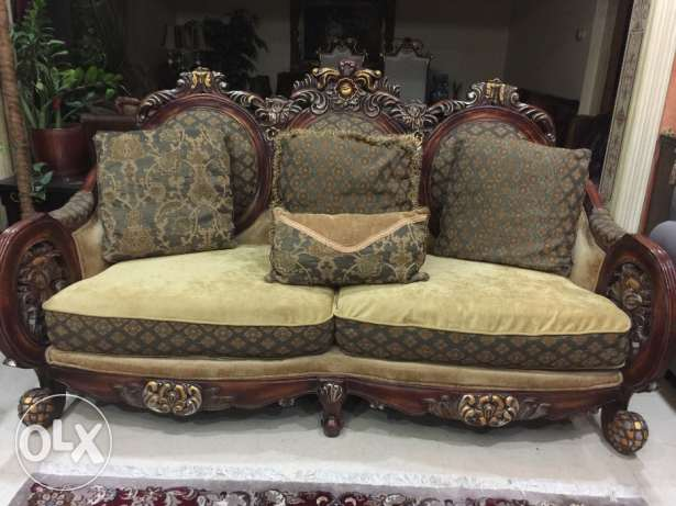 Royal sofa set 7 seater for sell in excellent condition